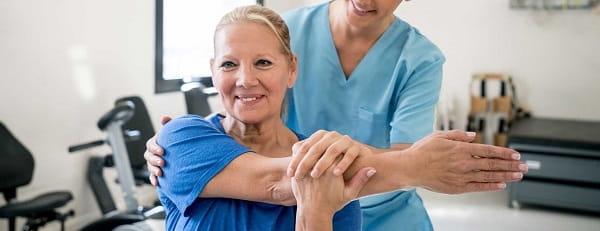 تمرینات ورزشی و کششی برای درمان سوزش بین دو کتف