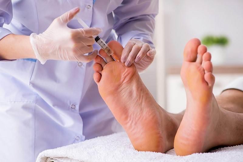 تزریق در مفصل پا