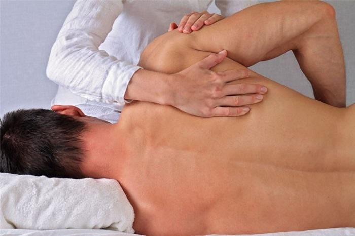 منوال تراپی (درمان دستی) کاهش درد درمفاصل و ستون فقرات آسیب دیده