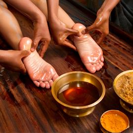 خواص درمانی ماساژ کف پا:بهبود سلامت جسمی،کاهش درد و اسپاسم عضلانی